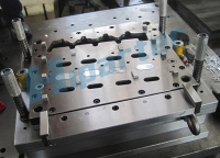 Manifold Gasket Progressive Tooling